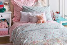 Детская для девочки / Какой вы представляете себе детскую комнату девочки? Яркой, красочной, полной игрушек и бантиков?:)