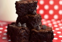 Dark Chocolate Photography / Chocolate treats that make our mouths water...