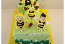 Bee Maya cake