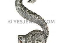 Yaka İğnesi / Brooches / Yaka iğnesi / Broş Çeşitleri Yes Jewels 'de sizi bekliyor.