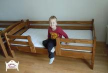 Praktik ifjúsági ágyak / Alap esetben 90x200cm matracméretű ágy fenyőfából. Kérés szerint a mérete módosítható.