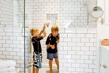 tiles / walls / wallpapers in interiors