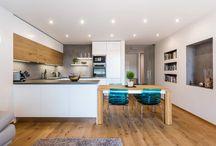 Bílé kuchyně s dubem / White kitchens with oak