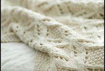 Пледы и коврики