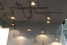 oświetlenie / kable na suficie