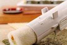 Sushi facile ustensiles de cuisine / Réaliser facilement vos Sushis et Makis mais aussi de délicieuses pâtisseries ou amuses bouches, grâce à cet appareil très pratique. ustensiles de cuisine original Très simple d'utilisation, vous épaterez vos convives en devenant un(e) expert(e) des Sushis et Makis.  Vous pourrez ainsi leur offrir une nourriture saine et équilibrée.  Vous pourrez également laisser libre cours à votre imagination: - Rouleau de fondant aux noix- Recette de cookies- Biscuits au chocolat- Patés de viandes hachées.