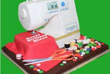 Sewing Cakes / The perfect birthday cakes to celebrate people who love sewing. Who's going to make me a sewing machine cake, or put some bobbins, buttons and thread on some cupcakes for me? It's a sewing party!