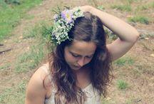 V lese / S kamarádkou jsme fotily minulé léto v lese...jako pozadí nám sloužily stromy...jako rekvizity květiny...