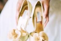 """Gelinlik ayakkabı / Daha bir çok gelin ayakkabısı için sizleri Türkiyenin ilk evlilik ve altın alışveriş merkezi """"Wedding World Kuyumcukent AVM""""ye bekleriz. www.weddingworld.com.tr http://www.facebook.com/weddingworldavm"""