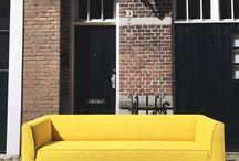 Showroom SALE / Bekijk onze selectie SALE showroom artikelen. Zo ontvang jij design voor een scherpe prijs en kunnen wij plaats maken voor een nieuwe collectie design meubels.  Iets gezien of graag meer informatie over een artikel? Bel, mail of kom langs in een van onze winkels!
