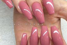 Akrylátové nehty