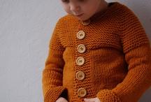 kötött baba ruhák