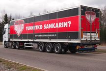 Ammattina Sankari / Kuvia Sankareista ja sankarigaalasta sekä heidän ajoneuvoistaan eri vuosina