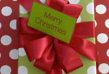 Gift wrapping for Christmas / Xmas gift wrapping
