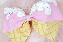 Big bows-hats