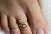 Toe ring for her
