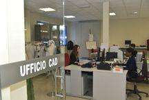 Gruppo Bertoni | Ufficio Cad / Bertoni Taglio Tessuti è una società italiana con più di 20 anni di Esperienza. Nata come una semplice taglieria, negli anni si è evoluta assecondando le esigenze del cliente e  portando a livelli massimi il prodotto richiesto.  Parte del Gruppo Bertoni; questa sezione occupa il 50% dell'intera attività aziendale. Alla Sala Taglio si affianca ormai da parecchi anni anche l'Ufficio CAD in grado di soddisfare qualsiasi richiesta di modellistica e piazzamento.