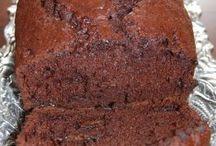 Desserts, Breads & Snacks / by Christine Cosby