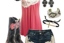 outfits / by Nicole Lucarelli