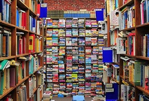 Library Love / There's nothing better than books... Unless it's an awesome library to keep your brilliant collection.