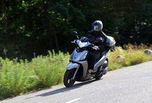 Kymco People GT 300i ABS / Test: Klassisch-kraftvoller Mittelklasse-Roller