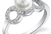 Diamonds and Pearls / What woman wouldn't love a beautiful combination of diamonds and pearls? www.sevenseaspearls.com