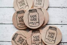 Invitation/Save the Dates / by Laura Parsons