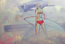 Lenka Kubica / Absolwentka ASP Wrocław, zajmuje się malarstwem, rzeźbą, rysunkiem oraz projektowaniem graficznym. Tematem twórczości artystki jest odkrywanie tajemnic ludzkiej natury, mówienie o ludziach, ich uczuciach, a także relacjach z innymi.