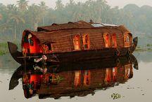 Houseboats / I like houseboats.