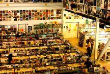 Record Stores / by Oscar Bernal
