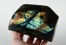 Labradorite free form sculptures / This valuable labradorite crystal is a beautiful decorative home ornament or can be used for its naturally enriching clairvoyance abilities.