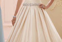 Szatén menyasszonyi ruhák