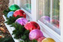 Holiday planter boxes & outdoor decor