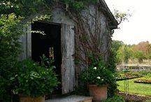 Backyard ideas / Inspiring gardens and other cool backyard ideas.
