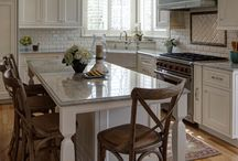 Naperville Illinois Kitchens / Kitchen remodels, redesigns, and ideas all in Naperville Illinois. Including modern kitchens, contemporary kitchens, transitional kitchens, and traditional kitchens all done by award winning Drury Design Kitchen and Bath Studio.