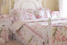 Pink Bedrooms & Accessories
