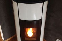 Tout pour être au chaud / Il existe de multiples moyens pour chauffer votre logement : poêles à granulés ou à bois, chaudières au gaz ou au fioul, cheminées, radiateurs, pompes à chaleur… Toutes vos solutions chauffage se trouvent ici !