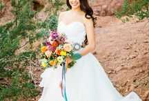 Wedding Dresses & Accessories / by Meghan Weber