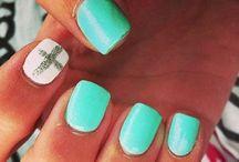 nails / by Sarah Diaz