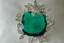 Brooches / by Sunny Days and Starry Nights