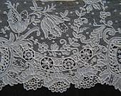 Antique Lace / by The Fashion Den