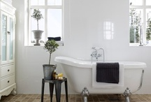 Bathroom / by Gunn-Tove Skartland