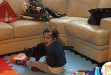 Tappeti atossici bambini / Sono tappeti di materiale atossico realizzati e certificati in Italia ideali per la creazione di aree gioco in casa, a scuola, asili, etc.. / Colori: vasta scelta / Materiale: atossico oppure ignifugo / Misure: 50x50cm o 100x100cm con spessore 10mm / Uso: interno