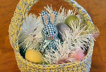 Easter Crochet / Bunnies and baskets. Hippity-hop!