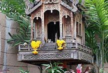 ศาลพระภูมิ Thai spirit house wooden style