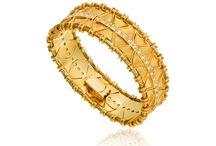Κοσμήματα Byzance / Unique pieces of jewelry from the Byzance collection that capture the glamor of the Byzantine Empire. The beautiful gold weavings created, are enhanced by rare rubies and diamonds thus enlightening the elaborate jewelry patterns and motifs.