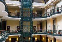 Luxury resorts/hotels
