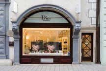 Salón Institut Bratislava / Dior ako prvá luxusná značková firma prišla na Slovensko v roku 1988 a dodnes ponúka najširší sortiment produktov a kozmetické služby v Dior inštitúte na Michalskej ulici č. 7 v centre mesta Bratislavy.