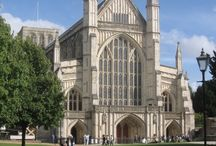 Winchester Cathedral Hospitality / The Cathedral's historic buildings & beautiful gardens offer a perfect setting for any event you wish to host including wedding receptions, social gatherings, business meetings & conferences.