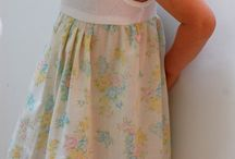Pillowcase dresses and lil girlie clothes / Diy dresses